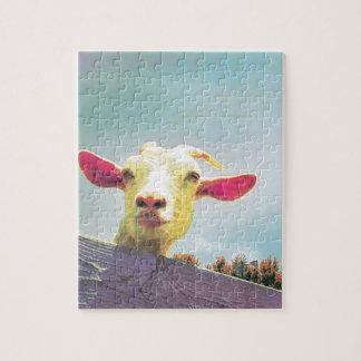 Le plus grand de tous chèvre à oreilles rose de puzzle