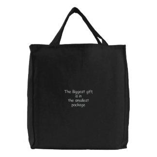Le plus grand sac cadeau-brodé