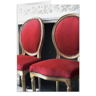 Le rouge et le salon vintage d'or préside la carte
