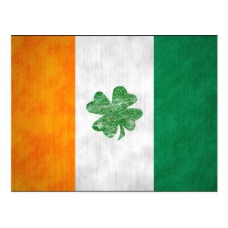 Le shamrock irlandais de drapeau carde 2 dégrossis carte postale