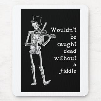 Le squelette jouant le violon ne sont pas attrapés tapis de souris
