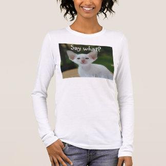 Le T-shirt blanc de chat, indiquent ce qui ?