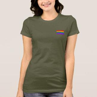Le T-shirt d'arc-en-ciel des femmes gaies de