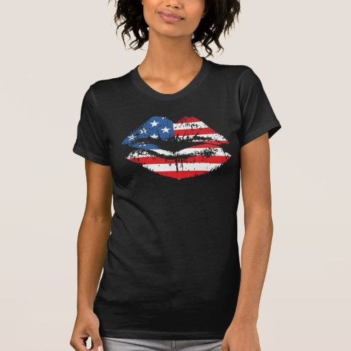 Le T-shirt de drapeau américain et de lèvres conço
