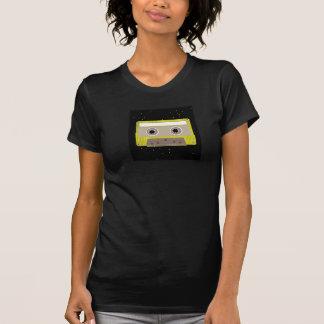 Le T-shirt des femmes de cassette de musique