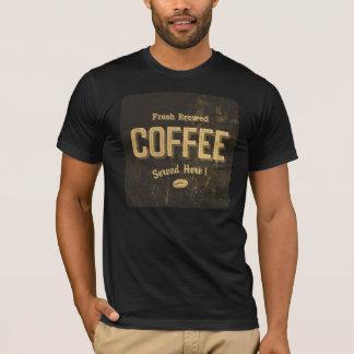 Le T-shirt des hommes brassés frais de café