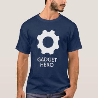 Le T-shirt des hommes foncés de héros de