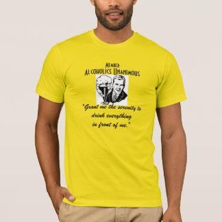 Le T-shirt des hommes unanimes d'alcooliques