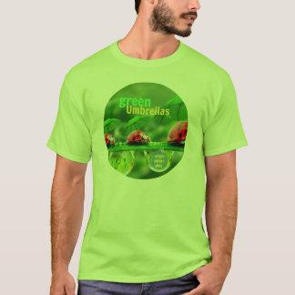 Le T-shirt des hommes verts de parapluies