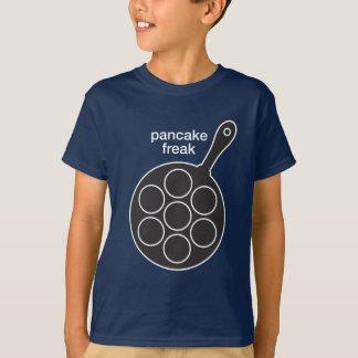 Le T-shirt foncé des enfants anormaux de crêpe