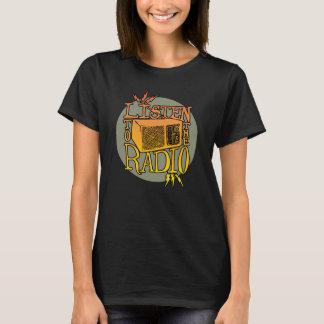 Le T-shirt foncé par radio des femmes