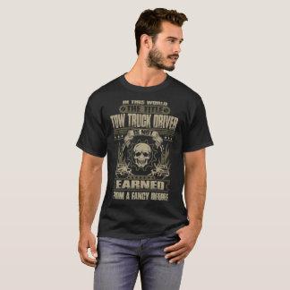 Le T-shirt gagné de conducteur de dépanneuse de