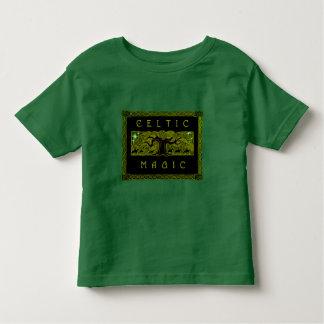 Le T-shirt infantile de grand arbre :