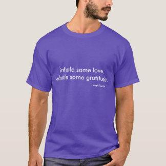 Le T-shirt profond de pensées de Matt Lindahl