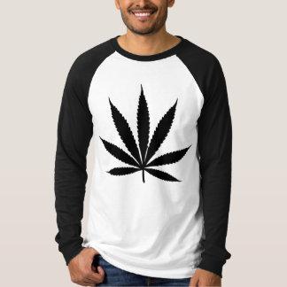 Le T-shirts des hommes jamaïcains de la Jamaïque