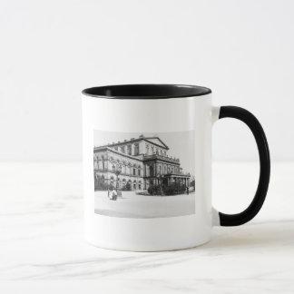 Le théâtre à Hanovre, c.1910 Mug