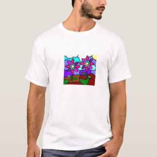 Le verre souillé fleurit le T-shirt