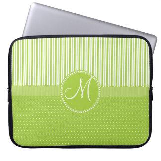 Le vert fait sur commande de monogramme barre le housses pour ordinateur portable