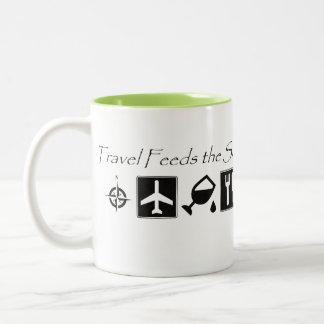 Le voyage alimente l'âme - tasse de café