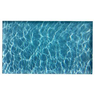 L'eau fraîche de piscine porte-photo
