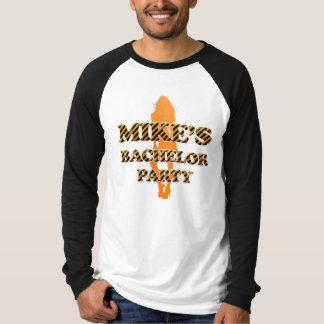 L'enterrement de vie de jeune garçon de Mike T-shirt