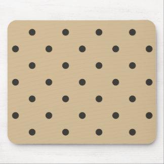Les années '50 dénomment le point de polka beige tapis de souris