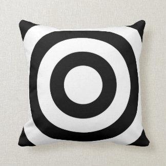 Les cercles blancs noirs élégants - tournez le coussin