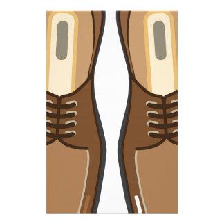 Les chaussures de l'homme en cuir papiers à lettres