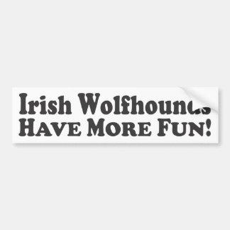 Les chiens-loup irlandais ont plus d'amusement ! - autocollant de voiture