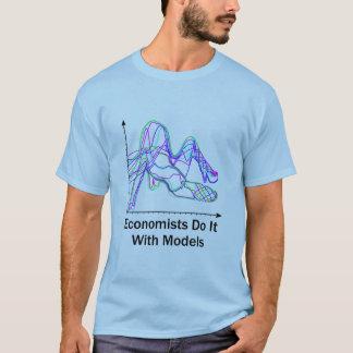 Les économistes le font avec le T-shirt de couleur