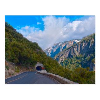 Les Etats-Unis, la Californie. Tunnel sur la route Cartes Postales