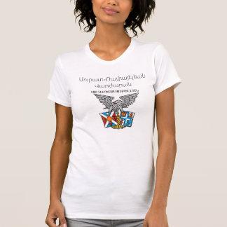 Les femmes arméniennes affinent le T-shirt du