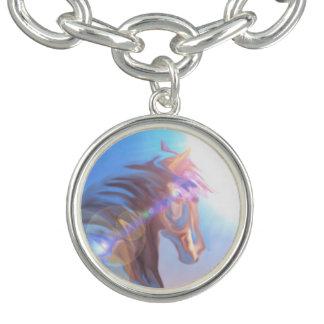 Les filles bleues pourpres de cheval sauvage bracelets avec breloques
