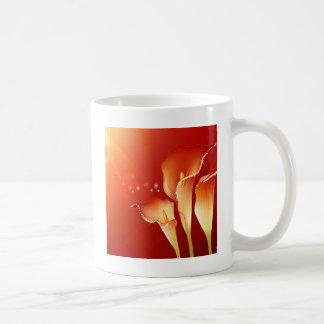 Les fleurs de résumé chauffent le scintillement de mug