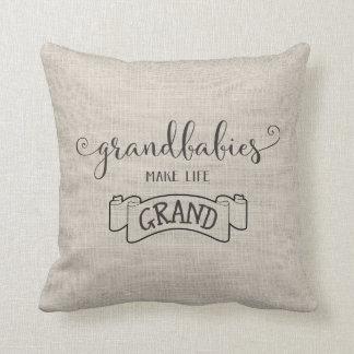 les grandbabies font à la vie la typographie coussin