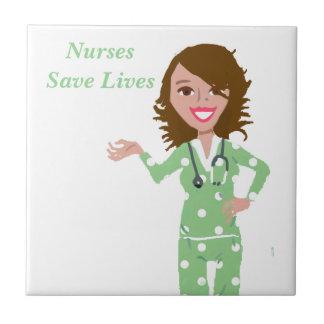 Les infirmières sauvent les vies carreau