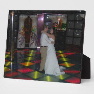 Les photos de mariage dansent d'abord la plaque impressions sur plaque