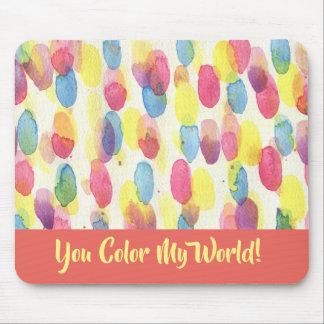 Les points colorent mon tapis de souris d'artiste