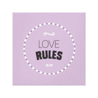 Les règles d'amour ont enveloppé la toile -