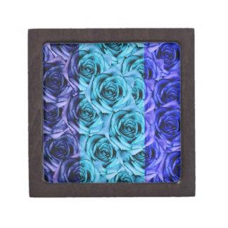 Les roses bleus conçoivent la petite boîte de