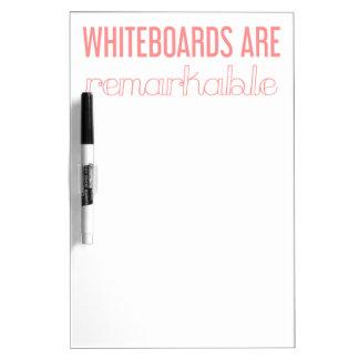 Les tableaux blancs sont remarquables sèchent le