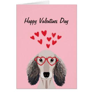 Les Valentines de doxie de teckel aiment la carte