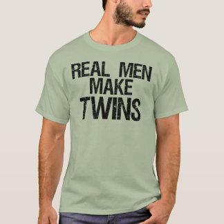 Les vrais hommes font des jumeaux t-shirt