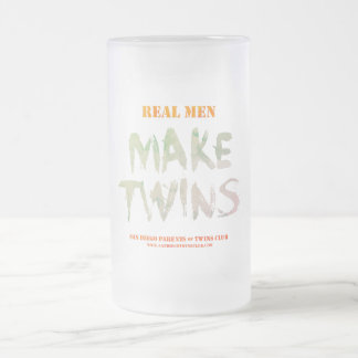 Les vrais hommes font la tasse givrée par jumeaux