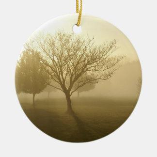 Lever de soleil d'or brumeux de matin d'Ozarks Ornement Rond En Céramique