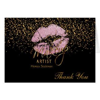 Lèvres roses de maquilleur sur le noir carte de correspondance