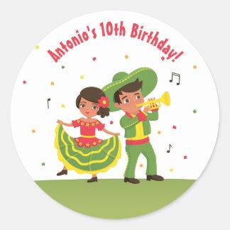 L'hispanique mexicain mignon de fiesta badine des sticker rond