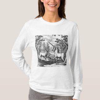 Licorne et mâle dans la forêt t-shirt