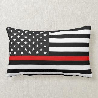 Ligne rouge mince drapeau américain coussin rectangle