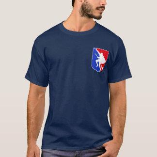 Ligue de sport de balai de vol t-shirt